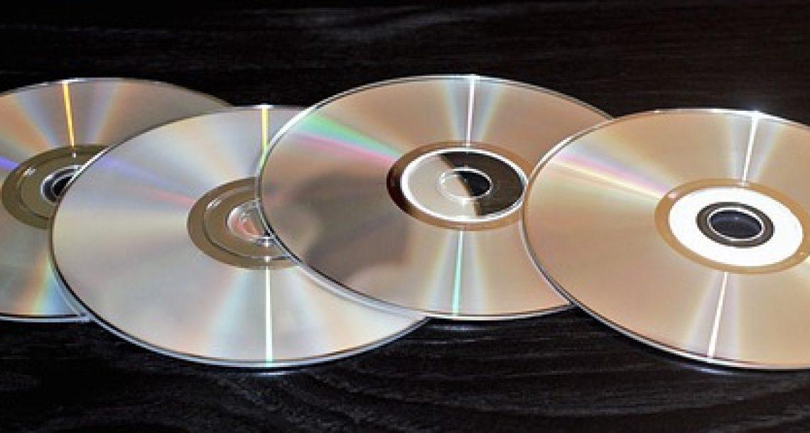 הצוות של נתניהו משתמש עכשיו בתקליטורים של תכנית הגרעין האיראנית בתור תחתיות לכוסות